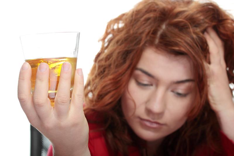 Алкоголь мешает организму регулировать сон | Medical Insider