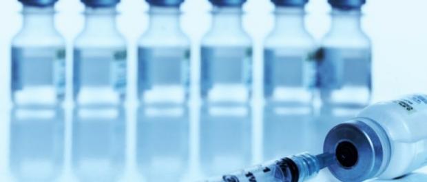 Врач не заразился лихорадкой Эбола после проведения вакцинации