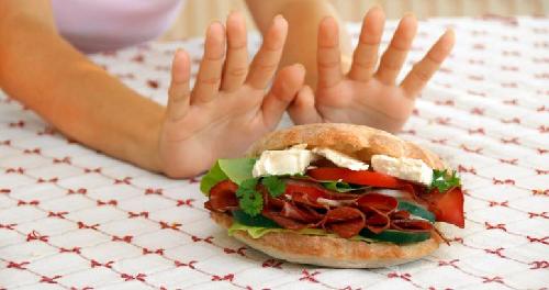 Ученые: ошибочное предположение, что пожилые люди не подвержены расстройству пищевого поведения