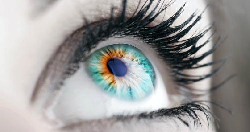 Слепые люди теперь могут увидеть своих близких