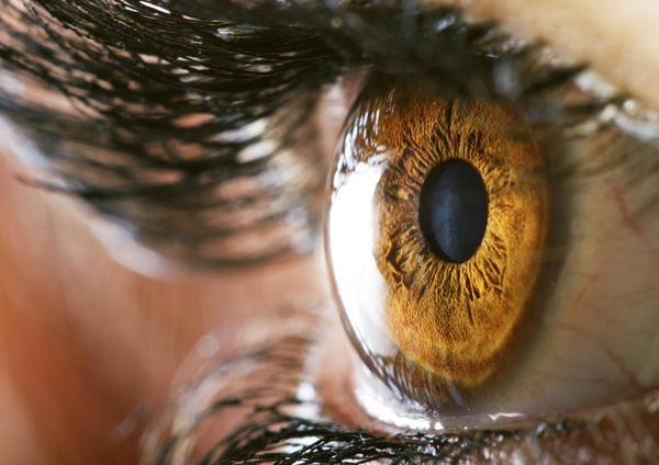 цвет глаз, алкоголизм
