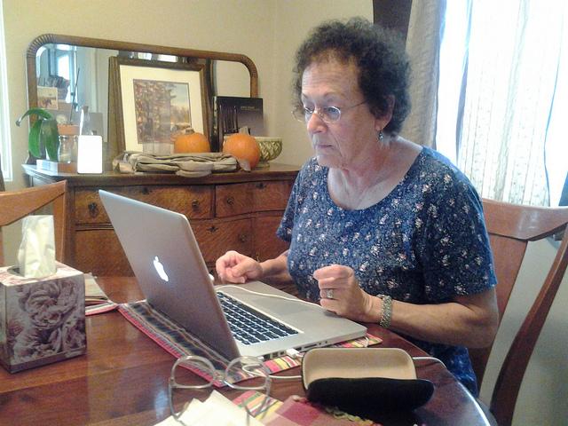 интернет, социальная жизнь, пожилые пациенты