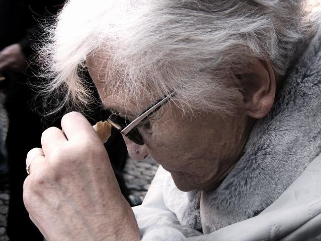 инфекция, пожилые люди