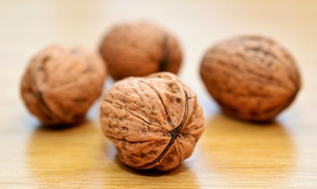 грецкий орех, микрофлора кишечника, рак толстого кишечника,