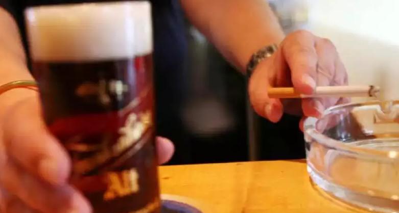 родители, один родитель, курение, алкоголизм