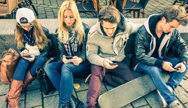 смартфон, подростки, зависимость, психическое здоровье