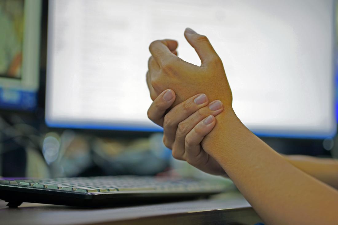 Покалывание в пальцах ног причины лечение